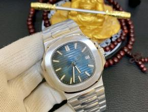 百达翡丽金表运动优雅系列5711/1A 010腕表(鹦鹉螺复刻表)