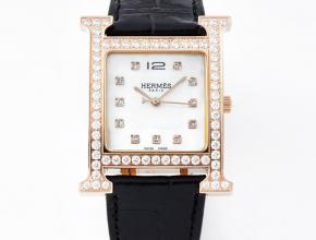 爱马仕顶级复刻手表HeureH大三针系列女士石英钻石皮带腕表