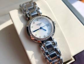 顶级复刻手表浪琴 女款白盘钢带心月系列真钻时尚石英腕表