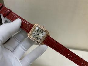 顶级复刻手表卡地亚女款山度士真金真钻皮带腕表