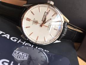 顶级复刻手表泰格豪雅男款白盘黑带卡莱拉系列机械皮带腕表