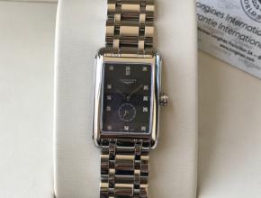 顶级复刻手表浪琴女款黑盘钢带黛绰维纳腕表