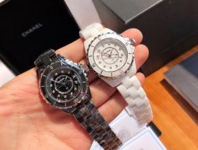 顶级复刻手表香奈儿女款黑盘钢带J12系列腕表