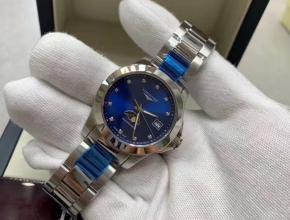 顶级复刻手表浪琴女款蓝盘钢带康卡斯系列月相腕表