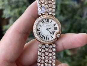 顶级高仿手表卡地亚女款白盘石英蓝气球系列钢带手表
