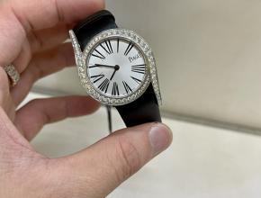 zf厂伯爵精仿手表女款白盘黑带南非真钻皮带石英手表