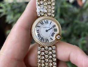顶级精仿手表卡地亚女款白盘钢带Ballon Blanc de Cartier系列石英手表