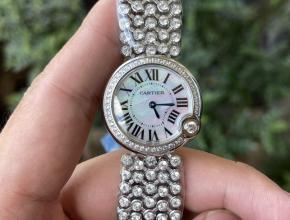 顶级高仿手表卡地亚女款白盘钢带蓝气球系列石英手表