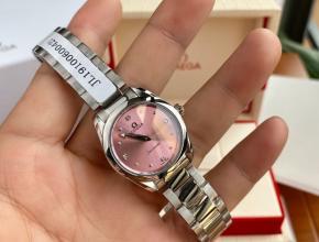 顶级原单手表欧米茄女款粉盘钢带真金真钻石英海马系列手表