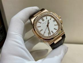 百达翡丽顶级复刻表男款白盘棕带鹦鹉螺系列真金真钻手表