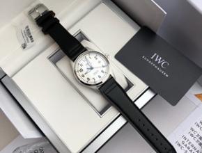 万国男士机械手表价格,万国表质量如何耐操吗
