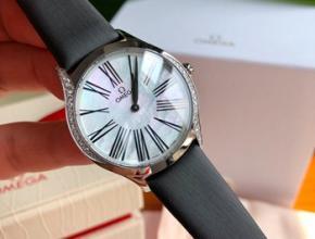 欧米茄最新款女士手表皮带,欧米茄蝶飞背后的图案
