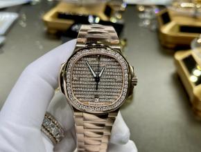 复刻手表百达翡丽女款金盘金带鹦鹉螺系列真金真钻手表