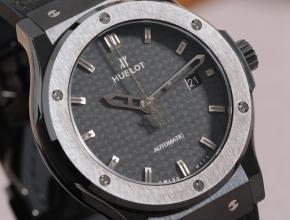 复刻手表宇舶 款男装黑盘黑带黑色碳钎维风格经典融合系列手表