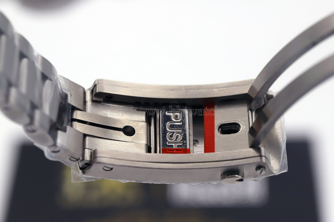 vs欧米茄海马600m黑白陶瓷复刻表评测 厚实表款