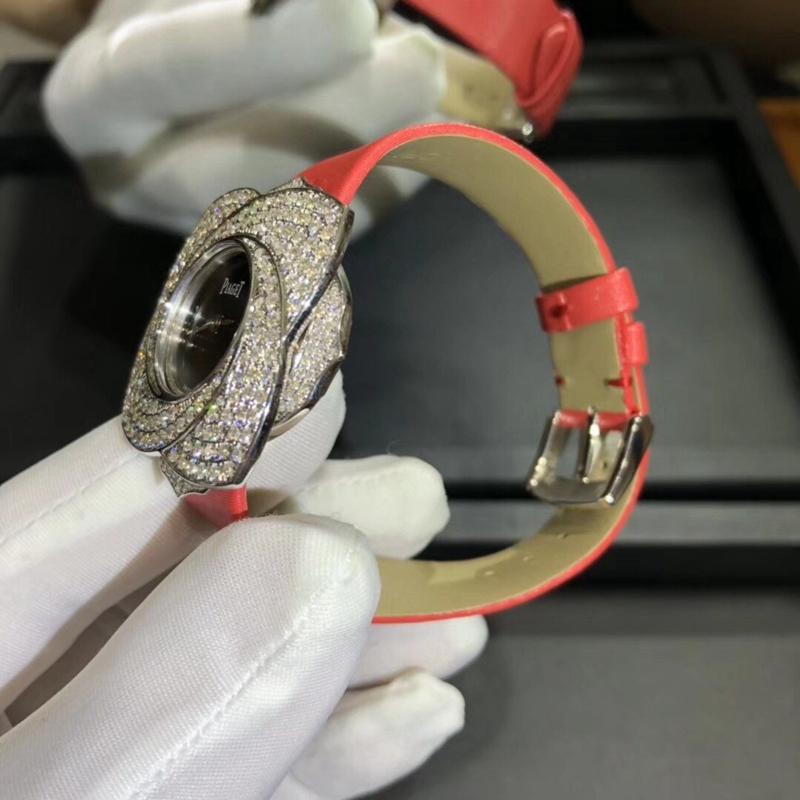 伯爵玫瑰花型腕表花瓣可旋转直径37mm瑞士机芯