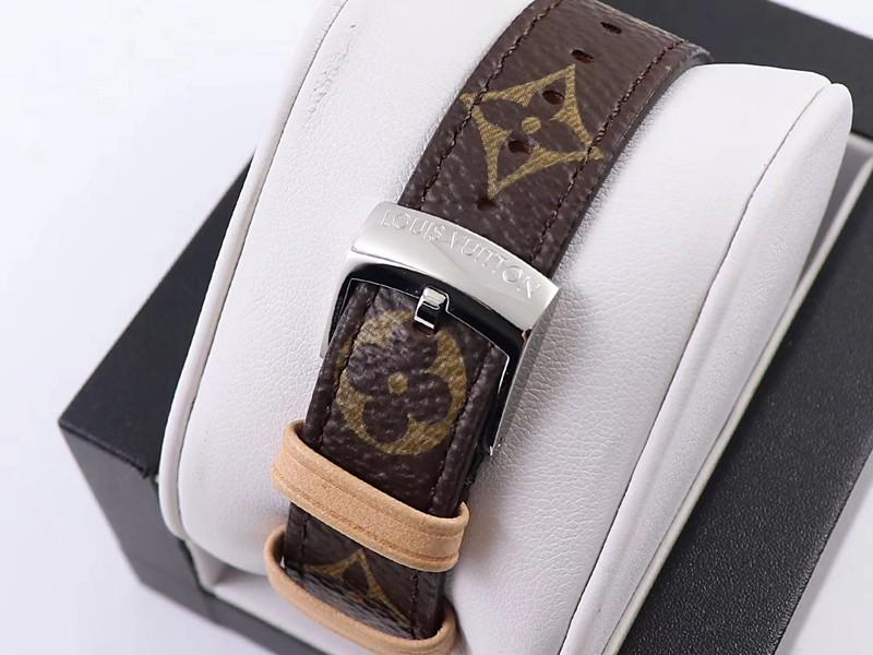 高仿LV女士手表34毫米立体表盘高级质感石英腕表