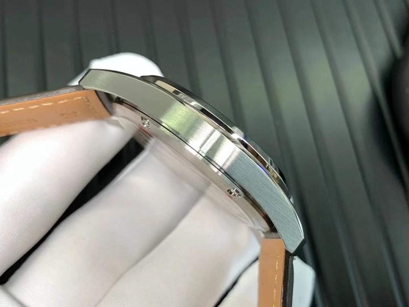 高仿浪琴手表先行者系列五星上将黑盘机械腕表