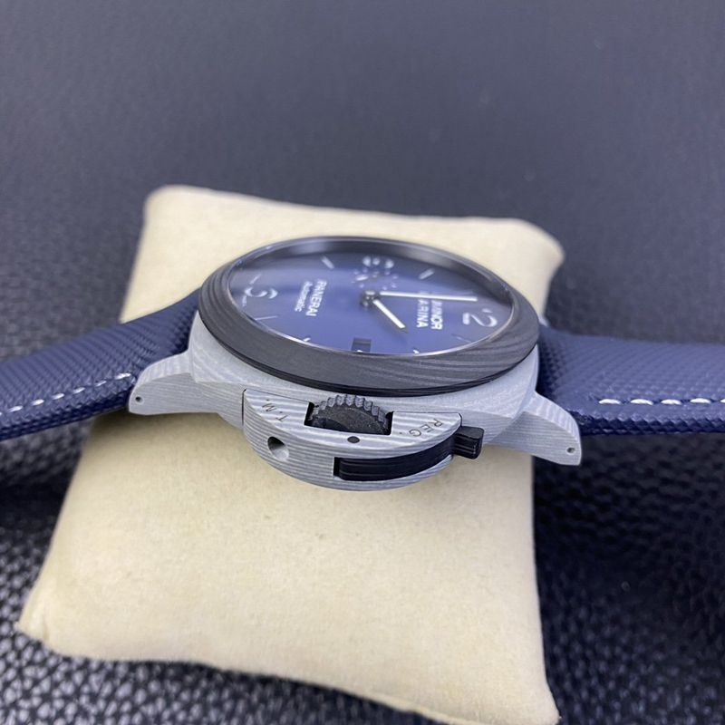 沛纳海PAM1663 最新碳纤维材Fibratech复刻手表