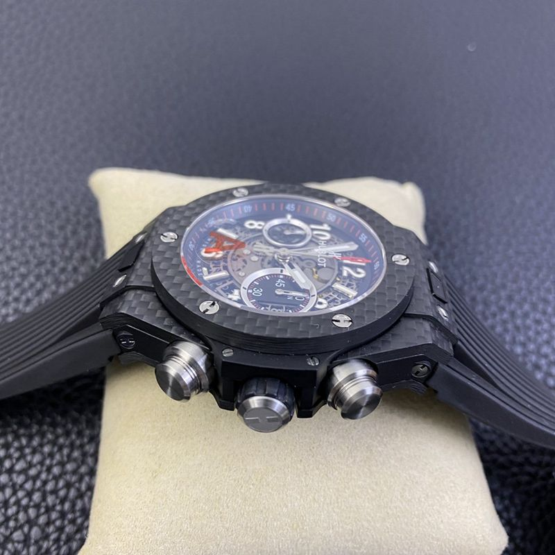 恒宝BIG BANG系列碳纤维壳复刻手表