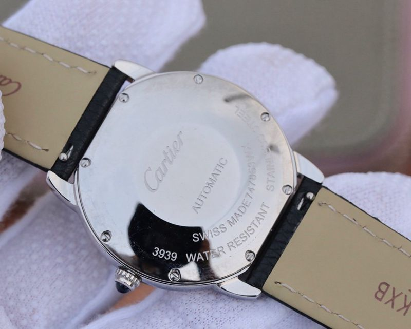 卡地亚精仿手表伦敦SOLO中号WSRN0021腕表