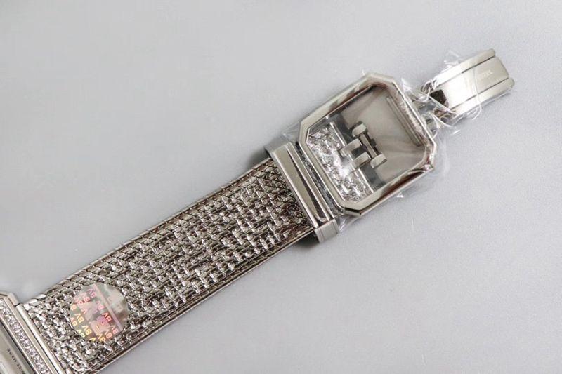 香奈儿精仿手表将第一款充满女性韵味的PREMIÈRE腕表
