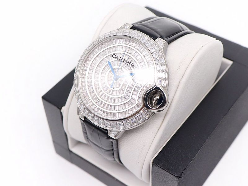 卡地亚复刻手表Cartier蓝气球方钻满天星手表