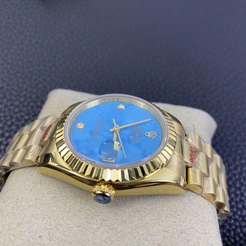 劳力士精仿手表星期日历型稀有绿松石盘面腕表