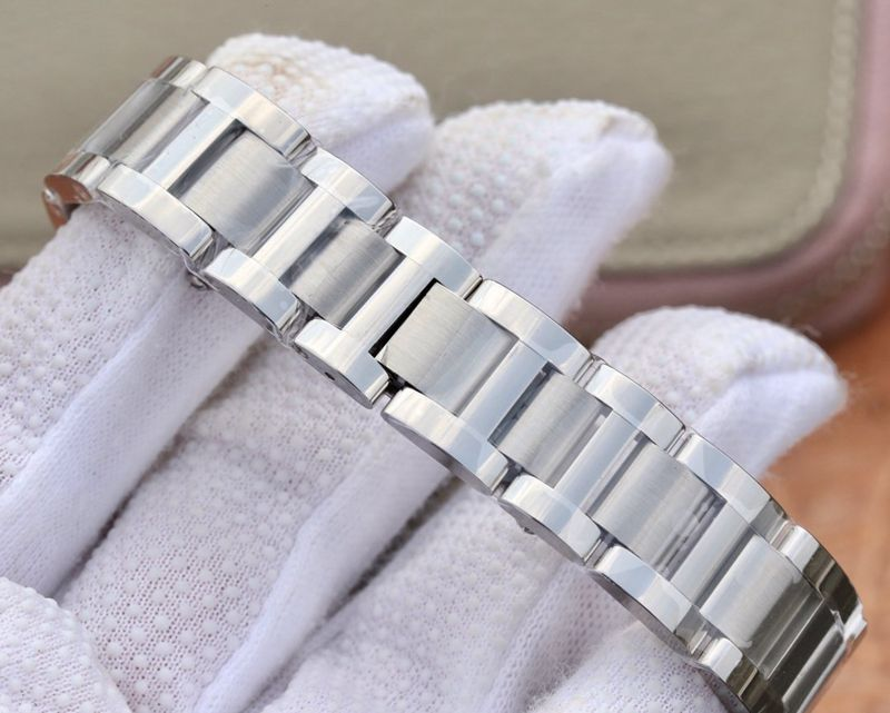卡地亚高仿手表蓝气球小号腕表