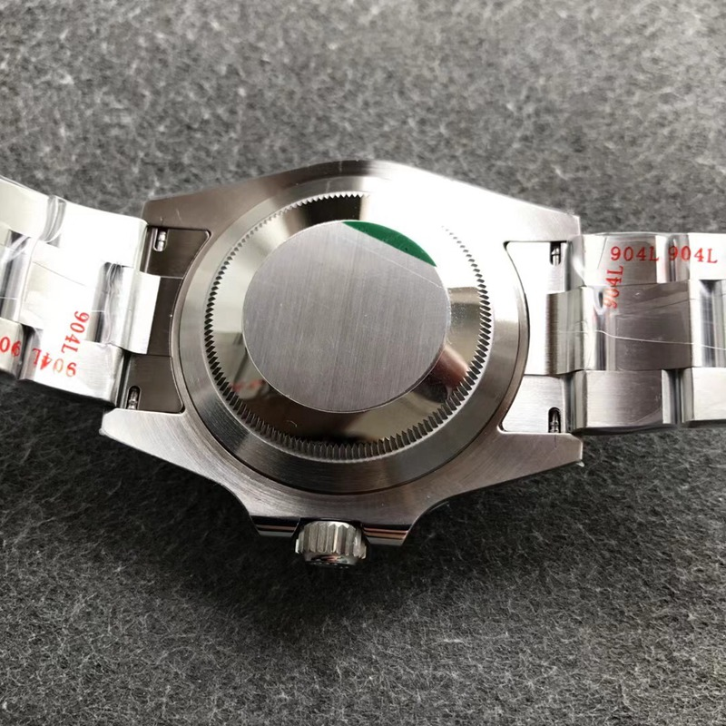 NOOB劳力士顶级复刻手表V11潜航者m126610lv-0002(新款绿水鬼)