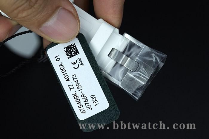 AP皇家橡树镶钻女士手表白色橡胶带石英机芯